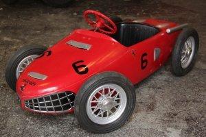 画像1: フェラーリ156F1 シャークノーズ ビンテージペダルカー 送料無料